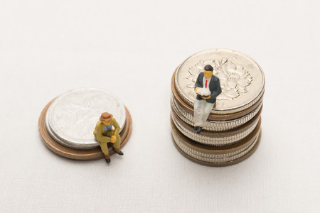 Imagen brecha entre ricos y pobres