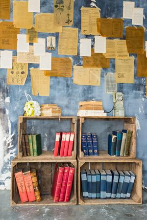 な本棚、bookcafe の壁に 写真素材