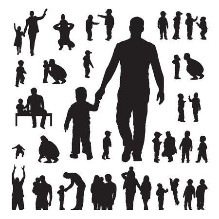 siluetas de mujeres: Los niños y los padres Siluetas juego sobre un fondo blanco