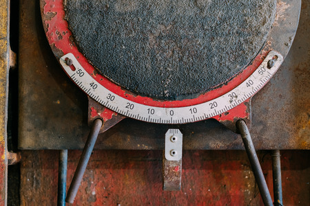 garage: Old and mechanical instrument for measuring.