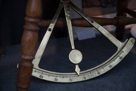 sextant nautical measuring instrument