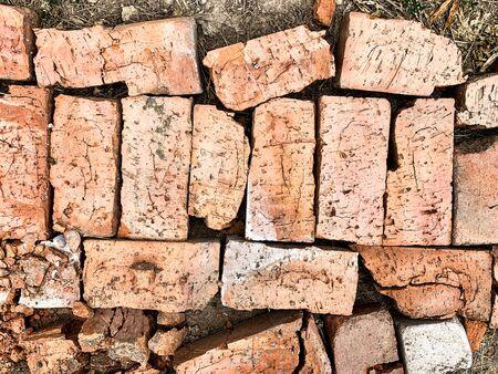 old broken brick on the ground top view Foto de archivo - 132117691