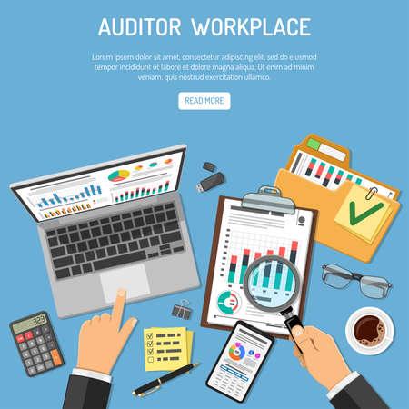 Lugar de trabajo del auditor, auditoría, concepto de contabilidad empresarial. El auditor sostiene la lupa en la mano y verifica el informe financiero. Iconos de estilo plano. Ilustración de vector aislado Foto de archivo - 100957887
