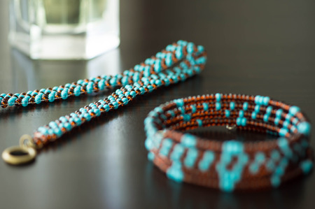 wattled: Wattled necklace and bracelet from beads