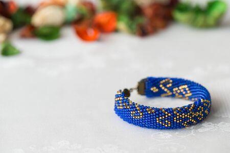 Wulstige Gehäkelte Armband Mit Orientalischen Ornamenten Blau Mit