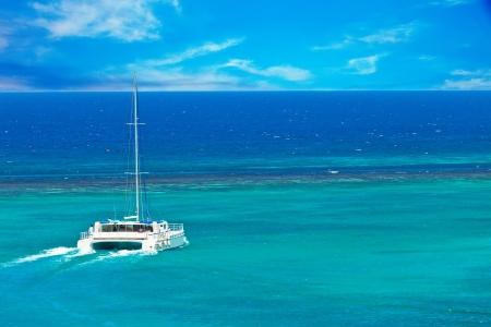 Catamarn Grand voile sur les Caraïbes Banque d'images - 17101279