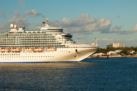 ft lauderdale: Cruise Ship in the intercoastal waterway in Port Everglades, Fort Lauderdale, Florida  Editorial