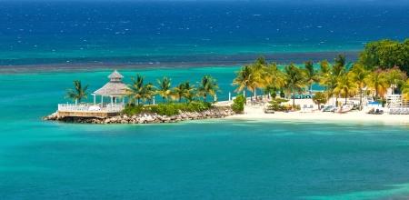 Piękny i relaksujący widok z plaży w Ocho Rios, Jamajka Zdjęcie Seryjne