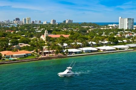 都市、フォートローダーデール、フロリダ州の都市の海岸線
