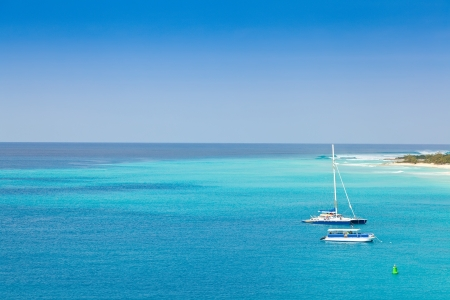 Caribische wateren in de Turks- en Caicoseilanden Stockfoto