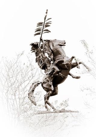 TALLAHASSEE, FL - 27 oct Statue de Osceola en chef sur son Renegade cheval, le symbole officiel de la FSU Seminoles le 27 Oct 2012 à Tallahassee, Floride Banque d'images - 21844602