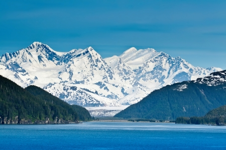 Majestic mountains and extreme wilderness along the Inside Passage Stok Fotoğraf - 23050074