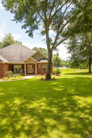 acres: Traditional style house with plenty of acres in rural Florida