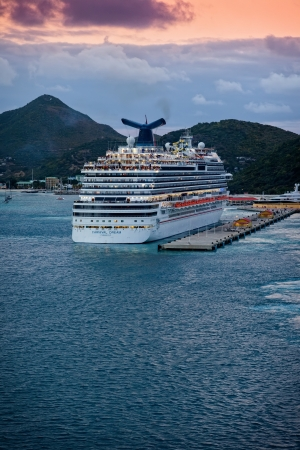 caribbean cruise: Philipsburg, St. Maarten - Jan. 16, 2013:  The Carnival Dream, Carnival Cruise Lines largest ship, departs from the Caribbean island of St. Maarten, a popular travel destination.