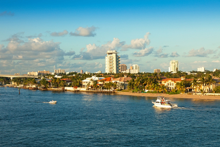 fort lauderdale: The intracoastal waterway that runs through Ft. Lauderdale, Florida Stock Photo