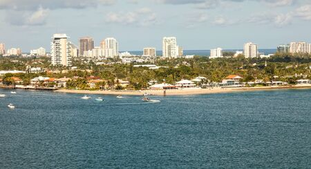 fort lauderdale: Fort Lauderdale Beach and intercoastal waterway, in Florida.