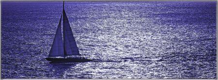 Troitement recadrée voilier sur la mer des Caraïbes Banque d'images - 49241745