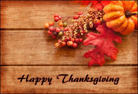 accion de gracias: Feliz tarjeta de felicitación de la acción de gracias con el texto y la disposición de otoño. Foto de archivo