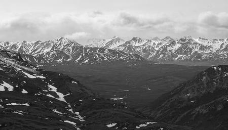 denali: Aerial scenic view of the mountain range in Denali, Alaska