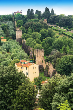 Countryside with villas and stone wall built to protect the city of Florence. Banco de Imagens - 65112123