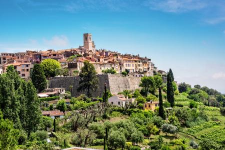 サン ・ ポール ・ ド ・ ヴァンス、フランスの古い歴史的な村。
