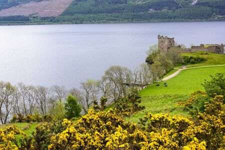 The historic Urquhart Castle on the River Ness in Scotland Imagens