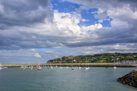 Dublin Bay and the seaport village of Howth, located on the outer suburb from Dublin. Imagens
