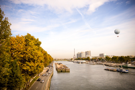 ile de la cite: Skyscrapers with the river in Paris Stock Photo