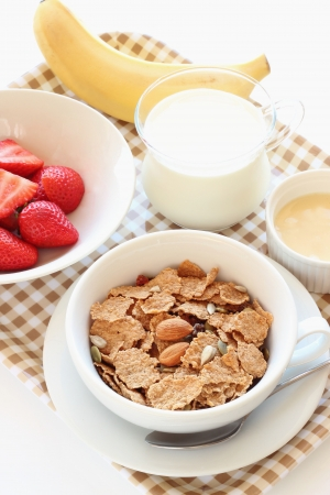 Granola cereal with almond and fresh fruits on a tray Stockfoto