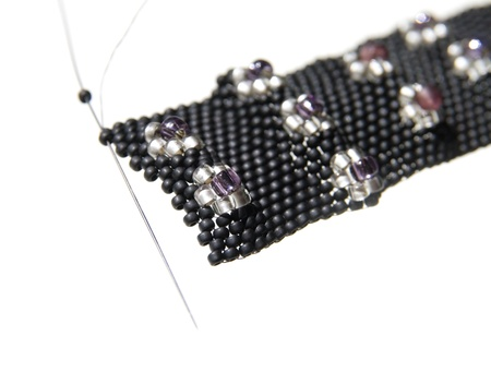 seed beads: making a raized floral pattern in peyote stitch, using different sizes of beads