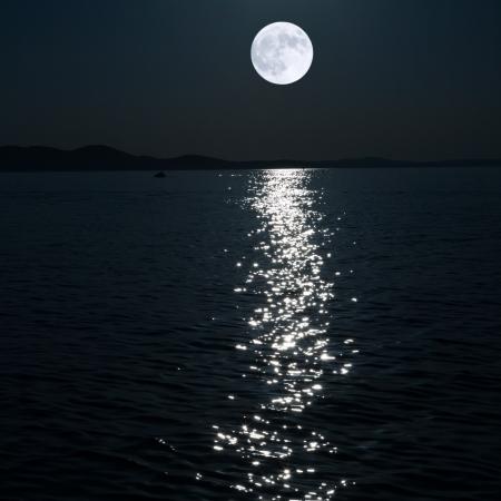 full moon over sea Archivio Fotografico