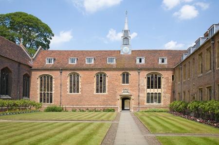 kwadrant: Magdalena College, Cambridge, najpierw kwadrant Publikacyjne
