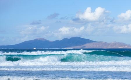 swell: Sea swell between Fuerteventura and Lanzarote Stock Photo