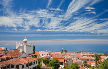 historica: La Orotava, Tenerife, view over the rooftops to Puerto de la Cruz and ocean Stock Photo