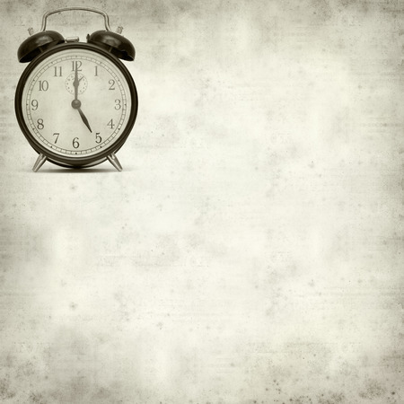 despertador: viejo reloj de alarma de moda