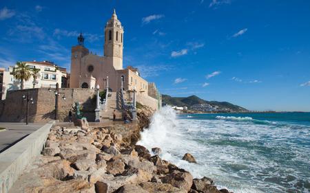 17th century: Sitges, 17th century seaside church of Sant Bartomeu i Santa Tecla Editorial