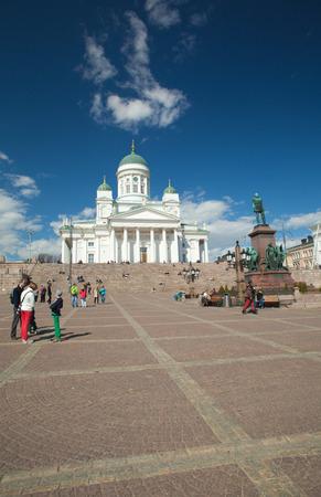 engel: Helsinki Cathedral, warm spring day, april 2014