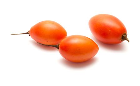 tomate de arbol: tomate de árbol aislado sobre fondo blanco