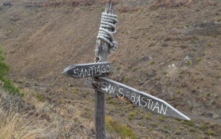 unofficial: La Gomera, Canary islands,Broken unofficial path marker btween Playa del Santiago and San Sebastian Stock Photo