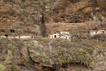 Gran Canaria, Ravine Barrando del Anden, abandoned cave houses