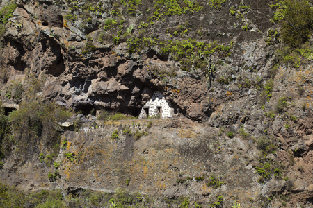 Inland Gran Canaria, February, abandoned cave houses in valley Barranco del Pinillo 版權商用圖片