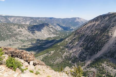 A landscape of Montana mountains in summer as seen from the Beartooth Highway in Custer National Forest. Stok Fotoğraf