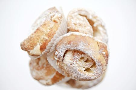 icing sugar: Delicious pastry with icing sugar