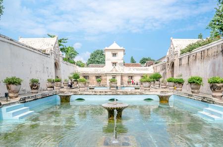 在Taman Sari水城堡日惹,Java,印度尼西亚的古老游泳池。