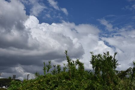 The blue sky and white clouds in September 版權商用圖片