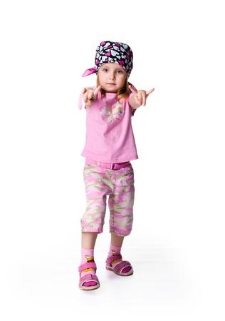 bandana girl: Petite fille dans bandana. Isol� sur fond blanc