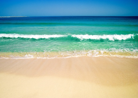 schöne Strand und ein tropisches Meer