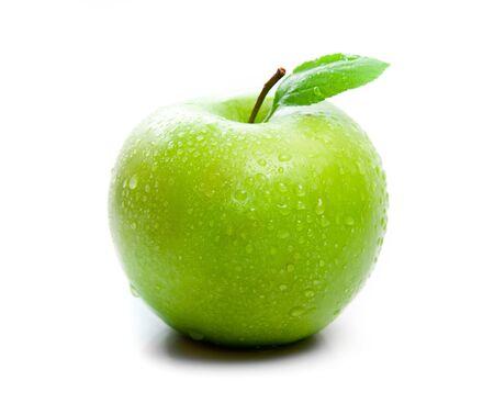 verde manzana: manzana verde sobre un fondo blanco Foto de archivo