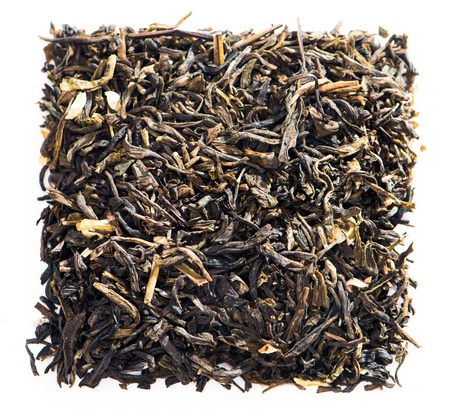 black tea: dry tea, isolated on white background