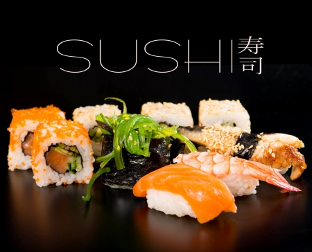nigiri: Sushi set on black background